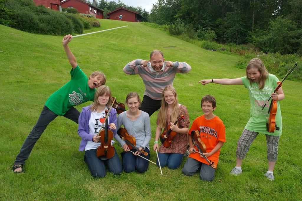 Fiolinister i engen