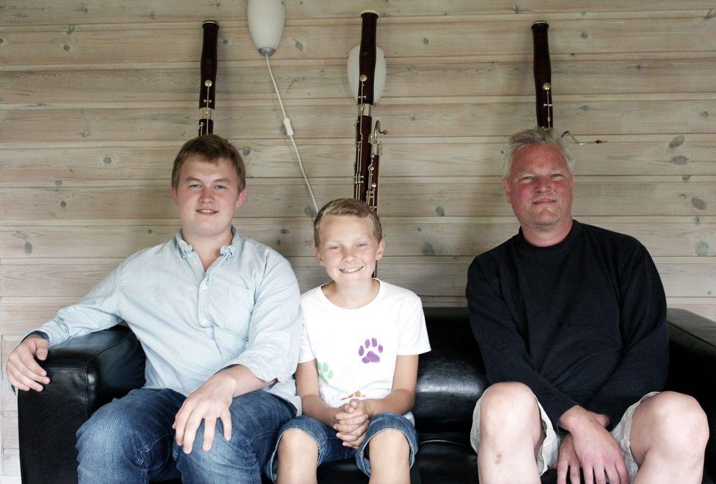 Fagotter bak tre galde fagottister